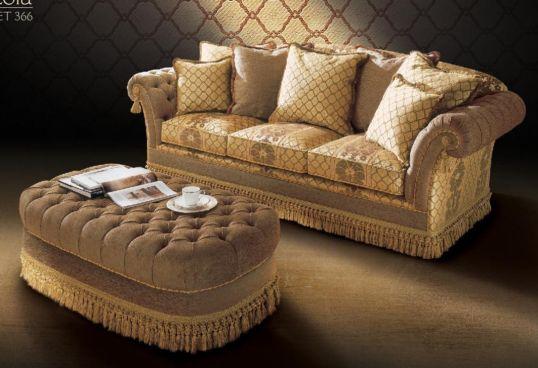 Arredamenti violi arredamenti di lusso mobili in stile for Divani classici on line