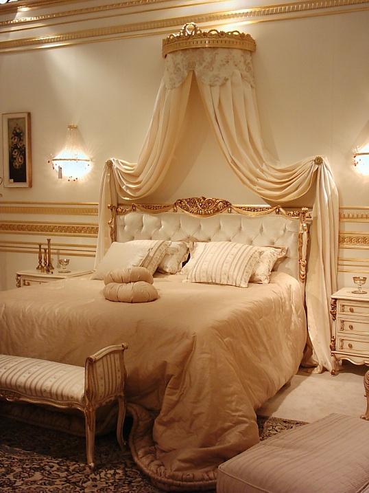 Arredamenti violi arredamenti di lusso mobili in stile for Mobili lussuosi