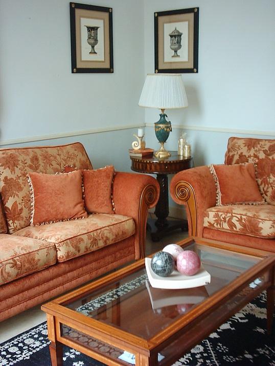 Arredamenti violi arredamenti di lusso mobili in stile for Salotti di lusso